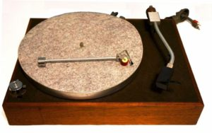 Acoustic Research AR-XA Turntable
